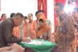 Penandatanganan MoU antara Bupati Sukento Rido Marhaendrianto dengan Ka Kanwil DJT II Jateng Yoyok Setiotomo7